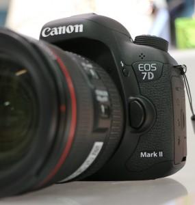 欲しい人必見!最新一眼レフEOS 7D Mark II(7D2)の評価・評判・レビューの実力や感想・真相をまとめた!