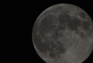 見逃した?「スーパームーン」で月が地球に大接近!世界中の感動の瞬間を美しい写真と動画で紹介!