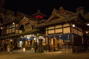 道後温泉への撮影旅行記!日本最古で有名な温泉街をぶらり旅!人気スポット&写真撮影ポイントなどもご紹介!