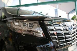 新型アルファードとエスクァイアを写真で比較!買って損しない車は?