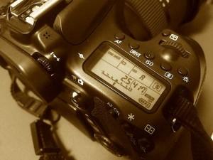 徹底比較!人気一眼レフカメラCanon EOSの高速連射シャッター音の違いとは?Sound of a shutter