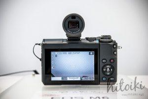 Canon(キヤノン)EOS M6の外観(ブラック・シルバー)ライブビューの写真