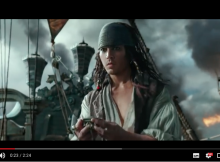 映画『パイレーツ・オブ・カリビアン/最後の海賊』。若い頃のジャック・スパロウ