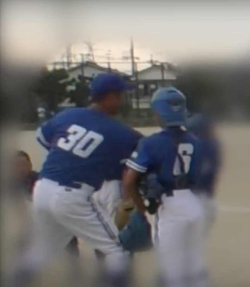 少年野球の監督が選手(小学生)を殴る現場 体罰の瞬間動画 physical_punishment