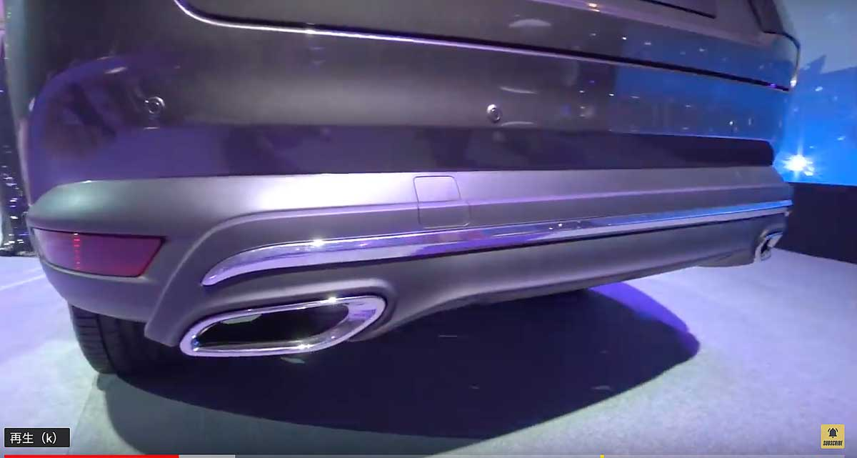 CX-8のリアバンパーに新デザイン発見!リアデザインにメッキ加飾追加とビルトインマフラーに!年次改良前と比較! mazdacx8_cx8_rear_design_of_cx-8_02